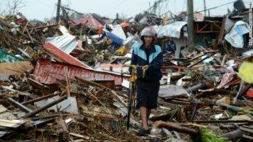 wpid-131109223233-01-typhoon-haiyan-jb-1109-horizontal-gallery.jpg